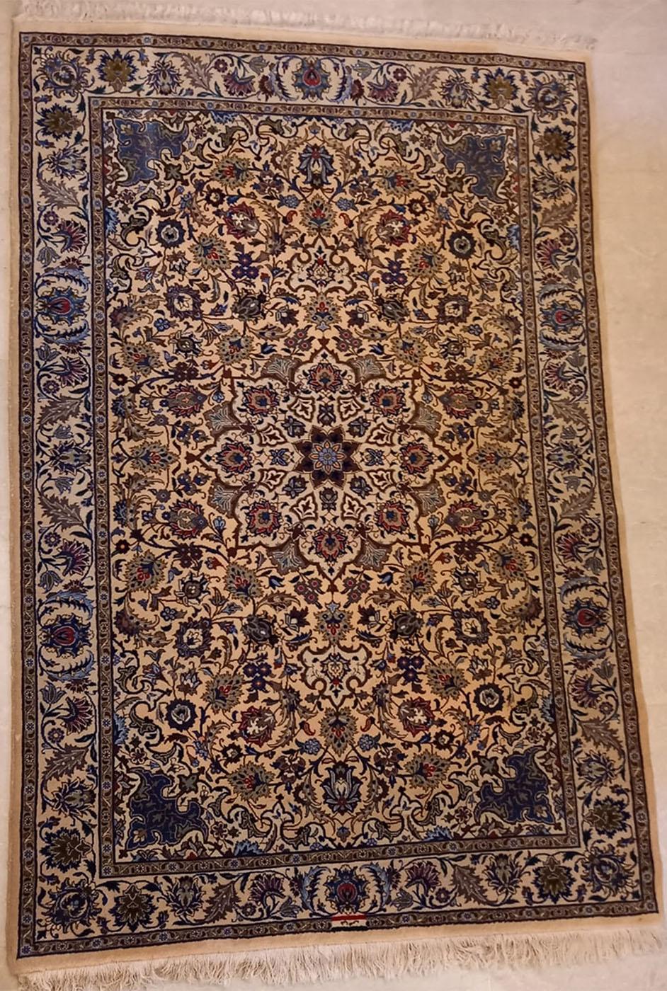 10808 Kashmar, Iran, firmato Fayaz, cm 253 x cm 167.